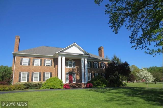6903 Clifton Rd, Clifton, VA 20124