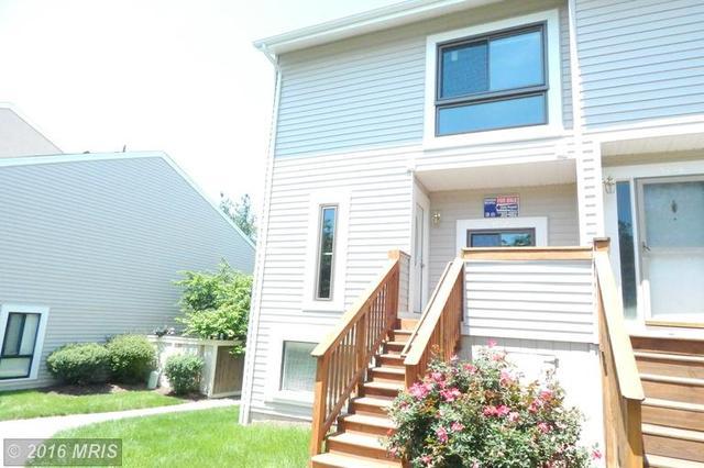 5752 Village Green Dr, Alexandria, VA