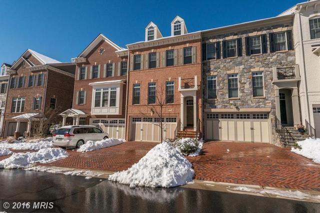 6786 Stockwell Manor Dr, Falls Church, VA