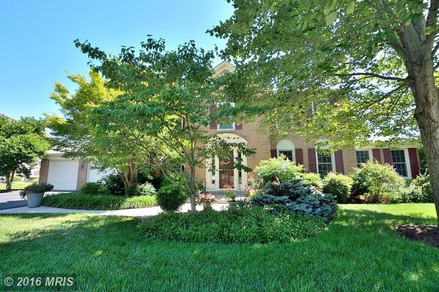 6483 Gristmill Square Ln, Centreville, VA 20120