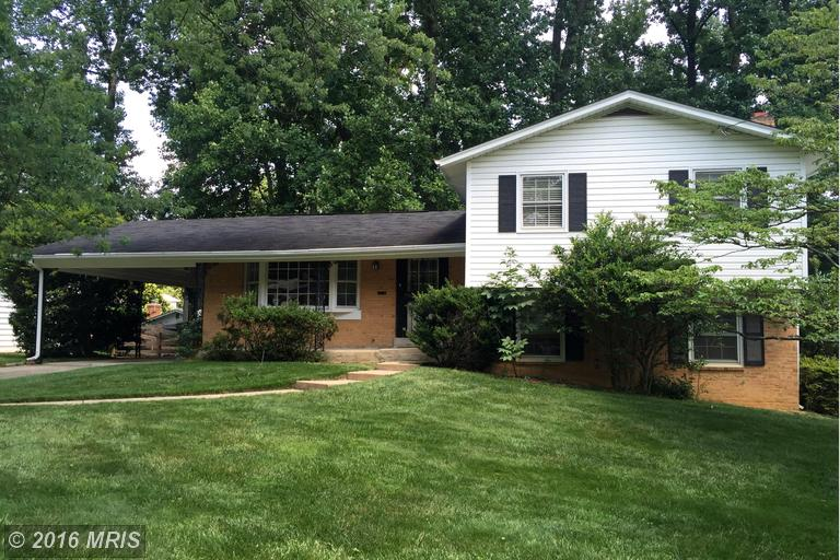 8202 Old Oaks Dr, Springfield, VA 22152