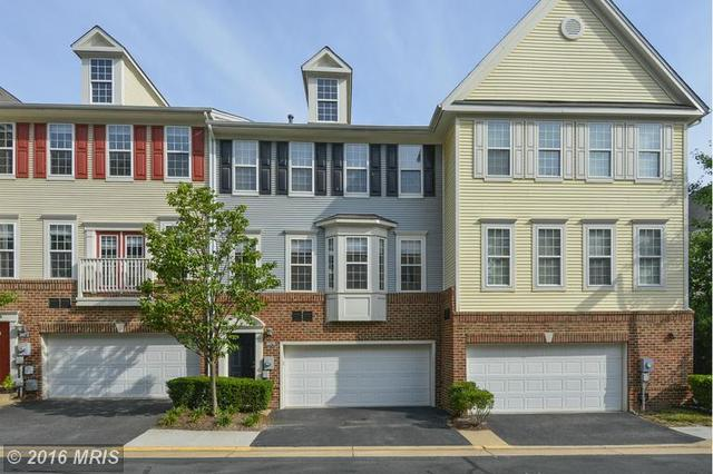 8070 Nicosh Circle Ln #48, Falls Church, VA 22042