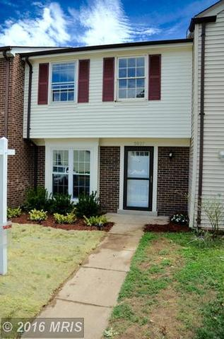 5937 Grisby House Ct, Centreville, VA 20120