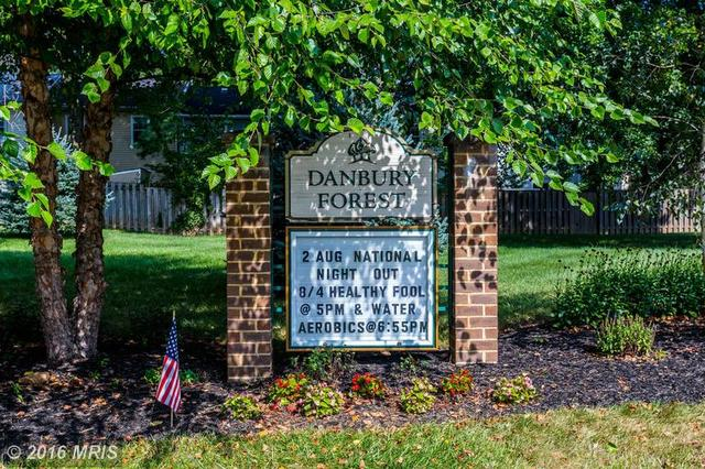 5420 Donnelly Ct, Springfield, VA 22151