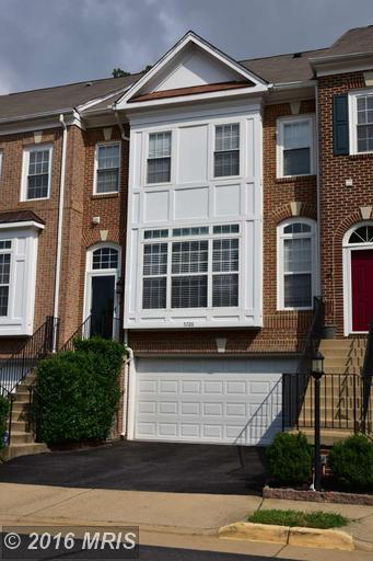 5726 Governors Pond Cir, Alexandria, VA 22310