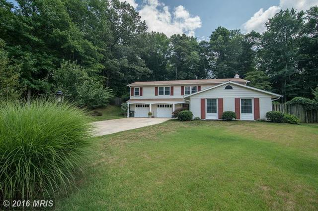 8701 Lothbury Ct, Fairfax, VA 22031