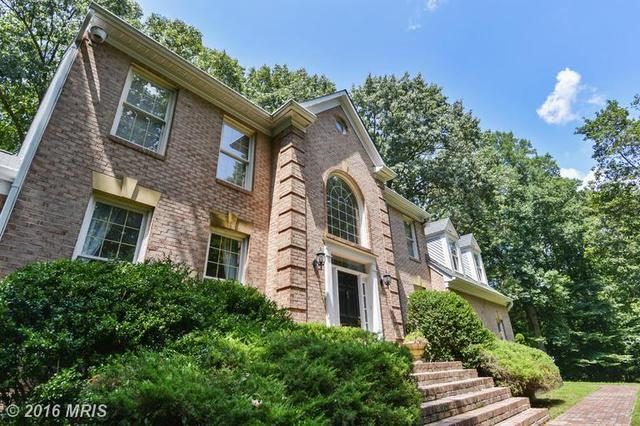 5500 W Ridge View Dr, Fairfax, VA 22030