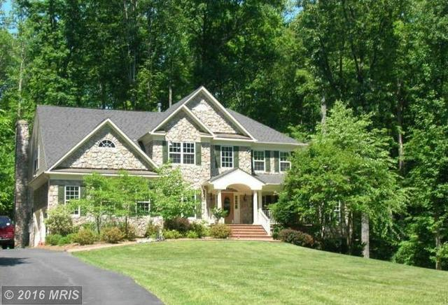 8324 Knights Forest Dr, Clifton, VA 20124