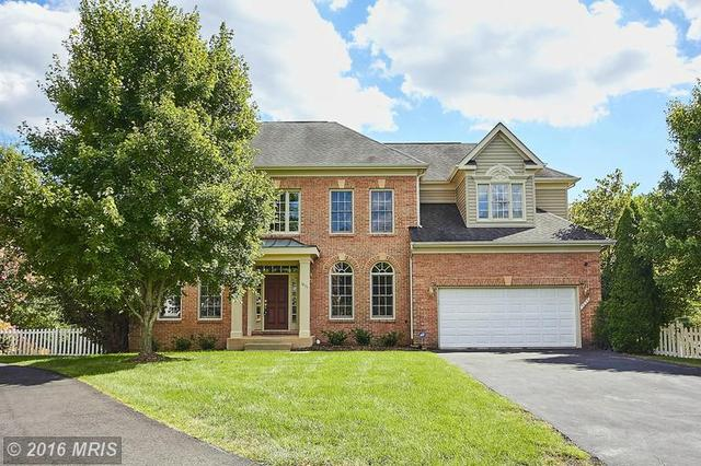 7033 Highland Meadows Ct, Alexandria, VA 22315