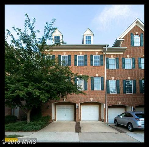 4605 Hummingbird Ln #104, Fairfax, VA 22033