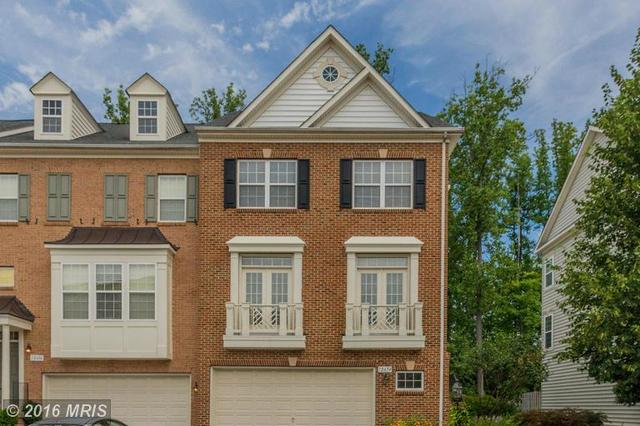12654 Heron Ridge Dr, Fairfax, VA 22030