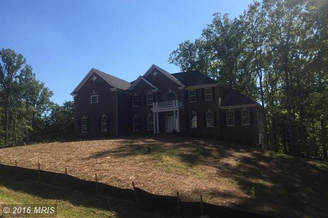 8817 Lake Hill Dr, Lorton, VA 22079