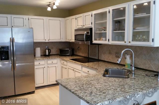6206 Stonepath Cir, Centreville, VA 20120