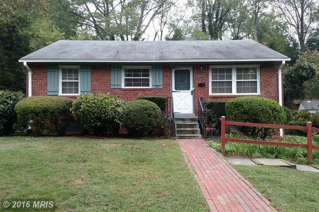 3910 Larchwood Rd, Falls Church, VA 22041