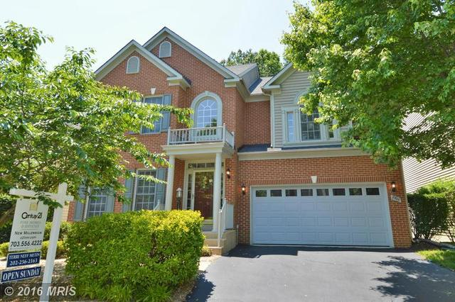7708 Stone Wheat Ct, Alexandria, VA 22315