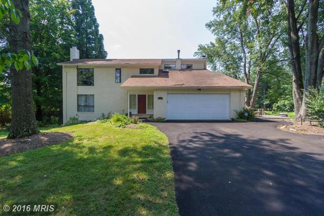 10401 Hunter Ridge Dr, Oakton, VA 22124