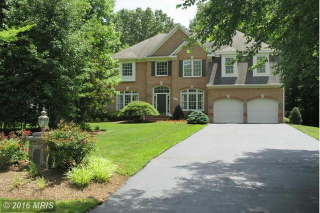 10313 Regency Station Dr, Fairfax Station, VA 22039