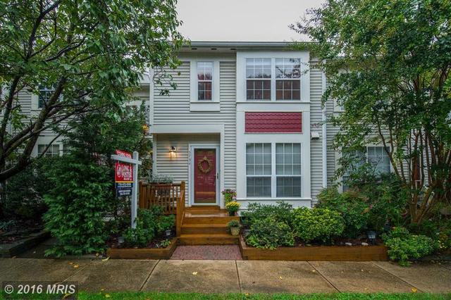 5734 Evergreen Knoll Ct, Alexandria, VA 22303