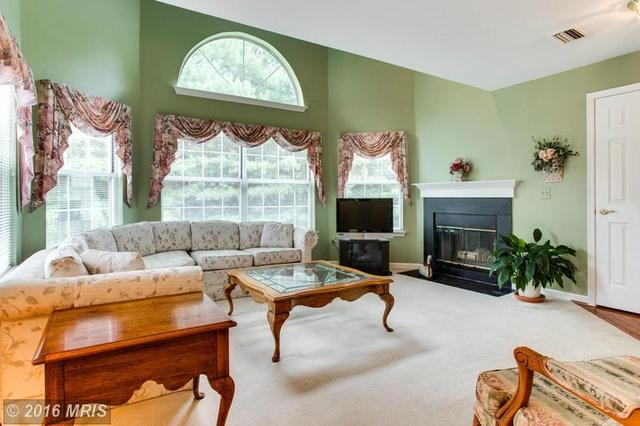 5629 Willoughby Newton Dr #24, Centreville, VA 20120