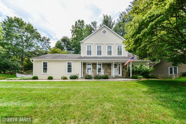 1702 Abbey Oak Dr, Vienna, VA 22182