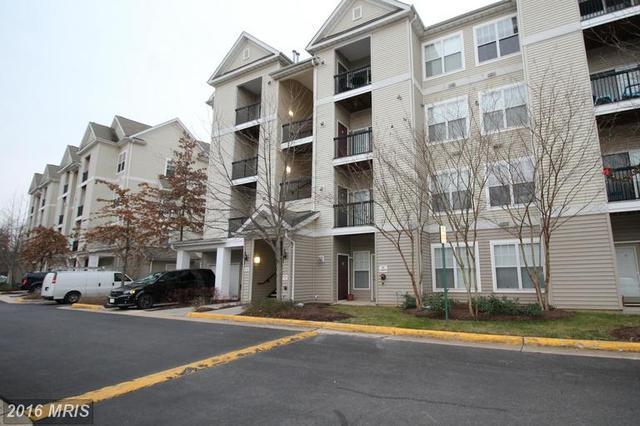 5132 Brittney Elyse Cir #B, Centreville, VA 20120