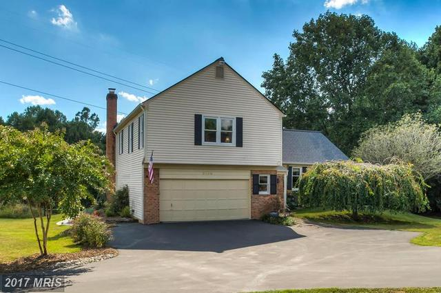 5138 Brentwood Farm Dr, Fairfax, VA 22030