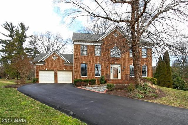 2850 Willowmere Woods Dr, Vienna, VA 22180