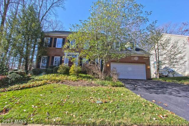 5022 Whisper Willow Dr, Fairfax, VA 22030