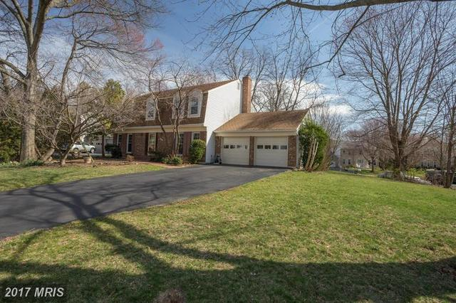210 Apple Blossom Ct, Vienna, VA 22181