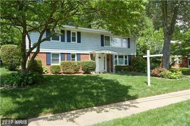 1012 Cottage St SW, Vienna, VA 22180