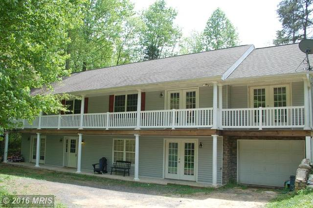 8008 Washington Dr, King George, VA 22485