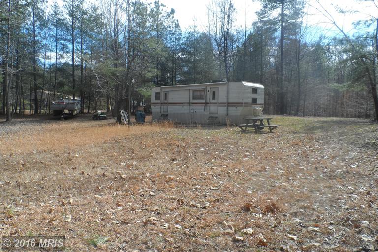 8 Oak Road, Bumpass, VA 23024