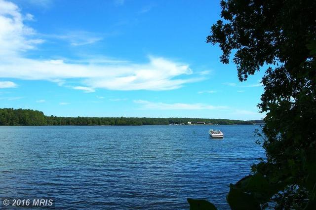 Edgewood Bay, Louisa, VA 23093