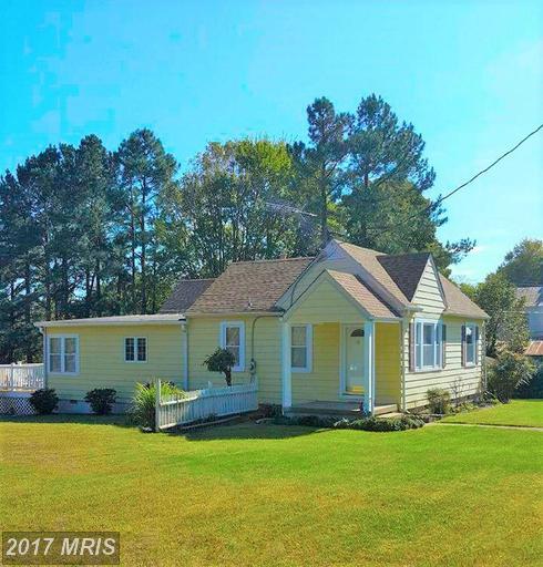 129 South St, Louisa, VA 23093