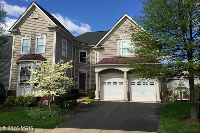 22809 Highcrest Cir, Ashburn, VA 20148