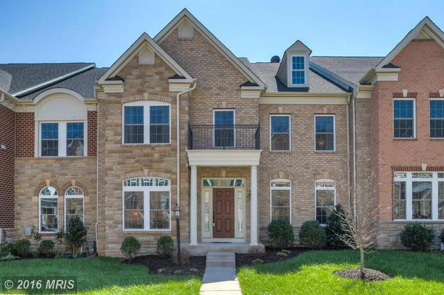 24914 Earlsford Dr, Chantilly, VA 20152