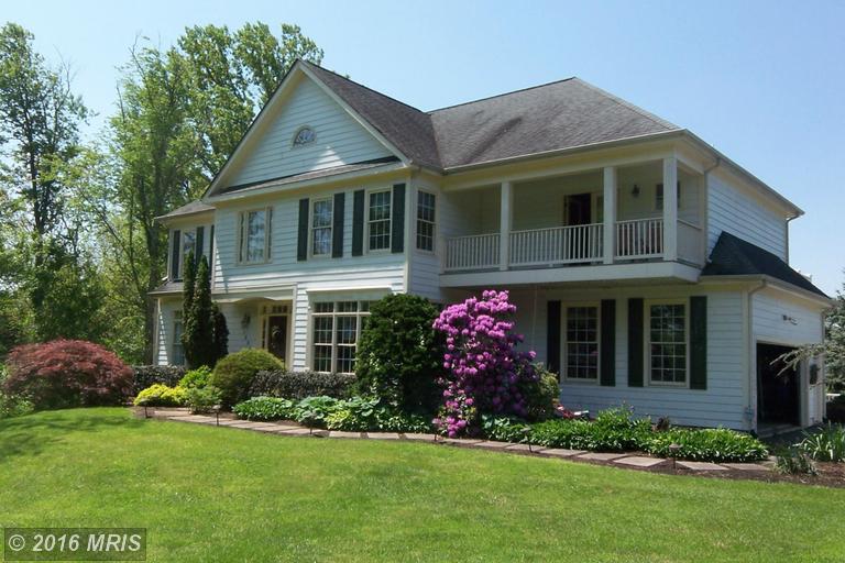 16845 Paloma Circle, Round Hill, VA 20141