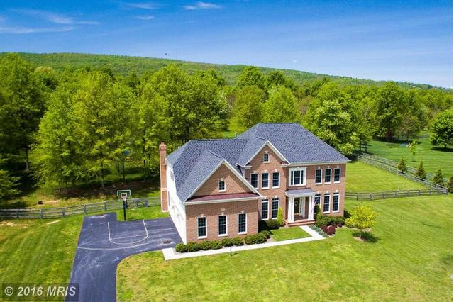 17273 Fontaine Ct, Round Hill, VA 20141