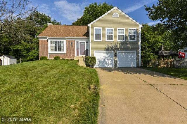 27 Brinks Ct, Sterling, VA 20165