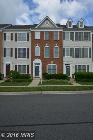 25313 Crossfield Dr, Chantilly, VA 20152