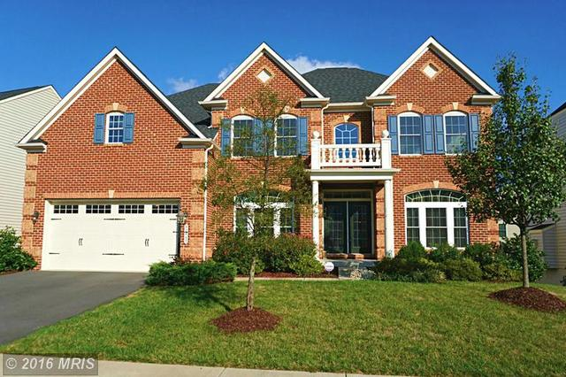 42447 Pine Forest Dr, Chantilly, VA 20152