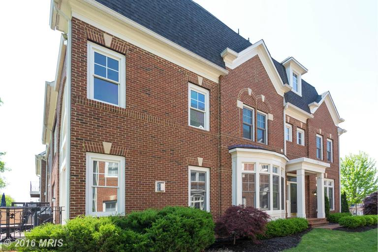 18320 Fairway Oaks Square, Leesburg, VA 20176