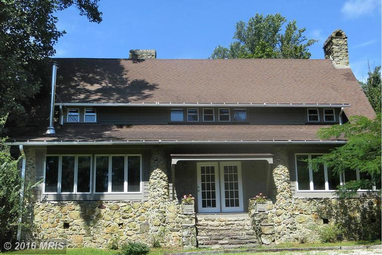 17842 Raven Rocks Rd, Bluemont, VA 20135