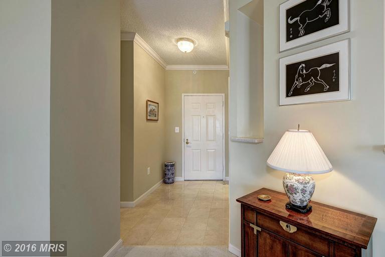 19375 Cypress Ridge Terrace #712, Leesburg, VA 20176