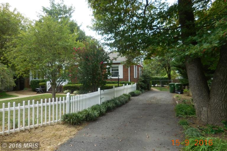 208 Sycamore Street, Middleburg, VA 20117
