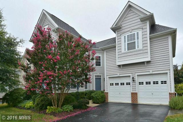 22748 Highcrest Cir, Ashburn, VA 20148