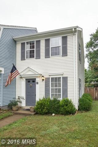 17 Mosbey Ct, Sterling, VA 20165