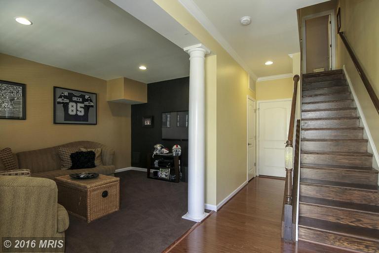 44037 Peirosa Terrace, Chantilly, VA 20152