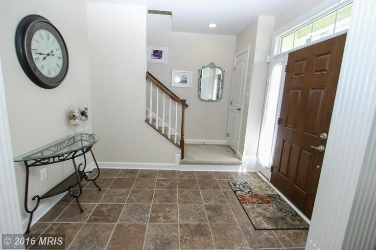 25080 Becerra Terrace, Chantilly, VA 20152