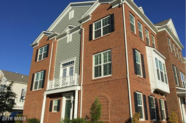 43535 Wheadon Ter, Chantilly, VA 20152